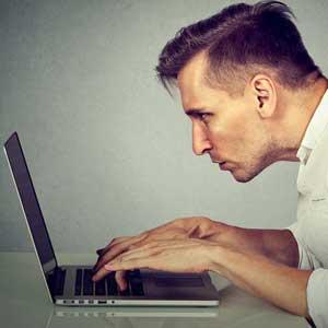 Prévenir les risques du travail sur les écrans